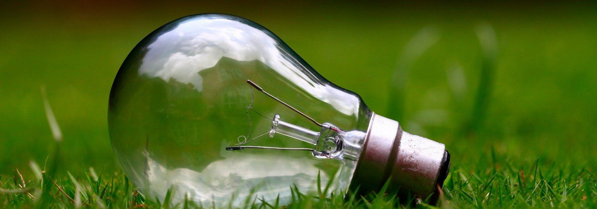 light-bulb-gc89bf4138_1920