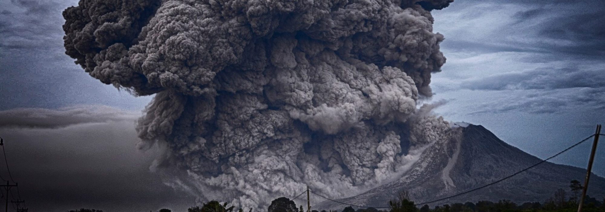 volcano-2604799_1920